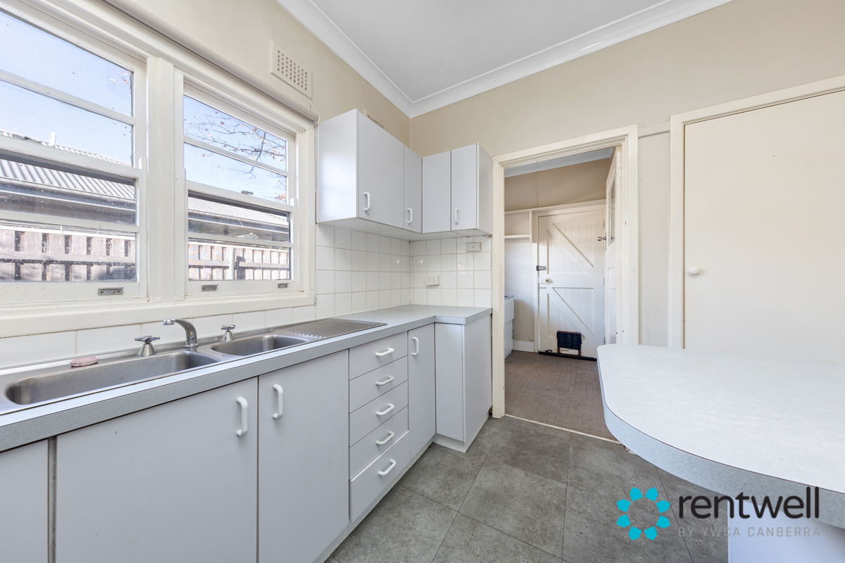 43 Campbell st Ainslie_12